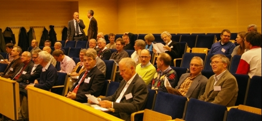 50 fysiker, med examen från 70-talet och framåt samlades på Ångströmlaboratoriet