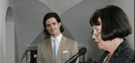 Prins Carl-Philip tillsammans med museichef Ing-Marie Munktell