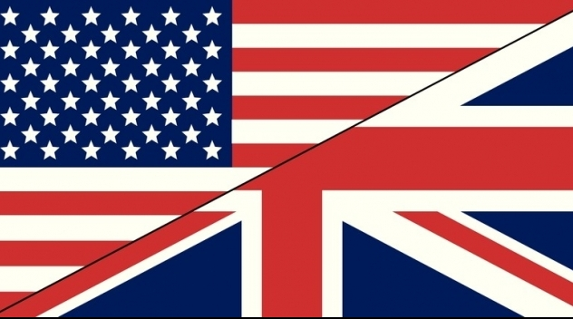 """""""Flagga"""" ihopsatt längs diagonalen av Storbritanniens respektive USAs flaggor."""