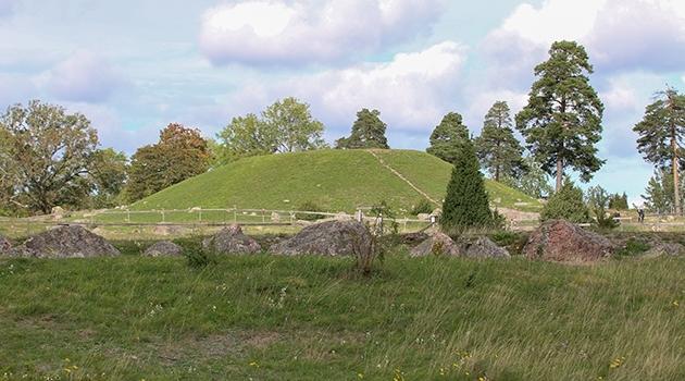 The Håga burial mound.