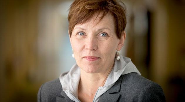 Porträttbild av Inger Sundström-Poromaa.