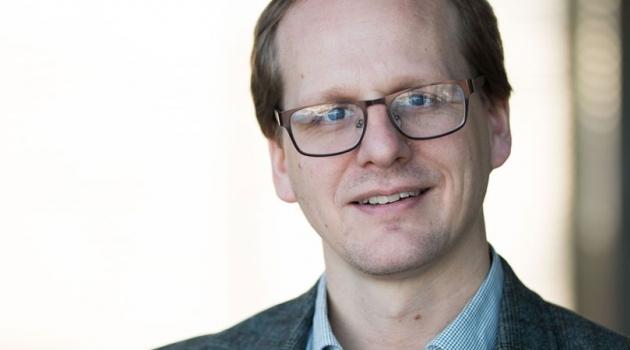 Porträtt av Mattias Lundberg.