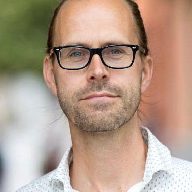 Porträtt av Isak Svensson.
