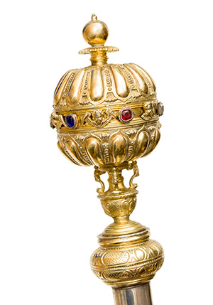 The gold crown of one of the University's two sceptres.
