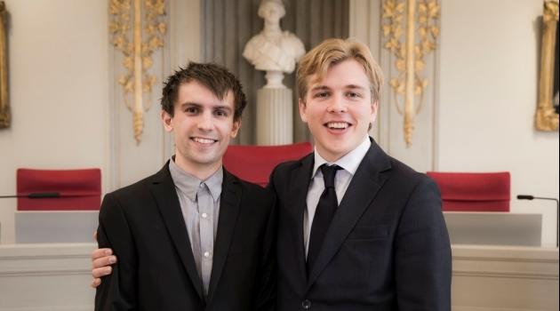 Porträttbild av SM vinnarna i juridik, Mattias Lidner och Olof Lövenberg