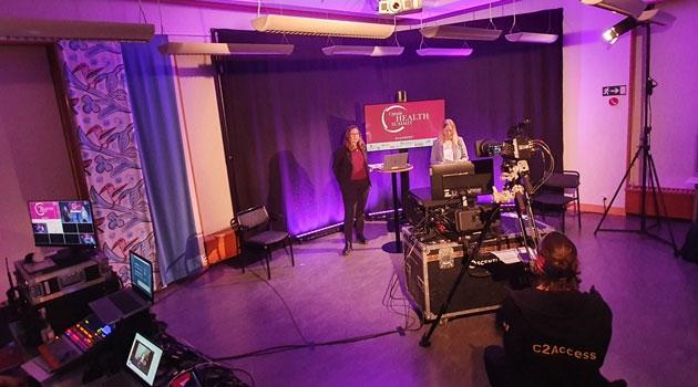 Malena Lidar and Eva Lundqvist in the studio.